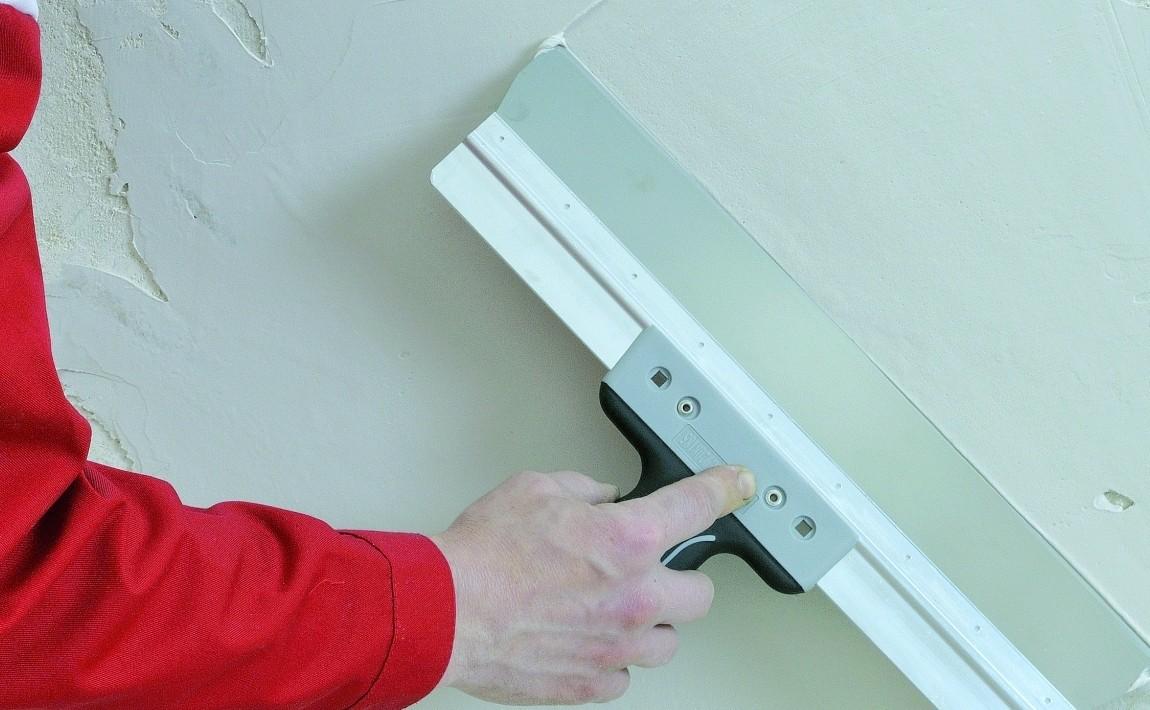 Процесс подготовки стен к покраске акриловой краской
