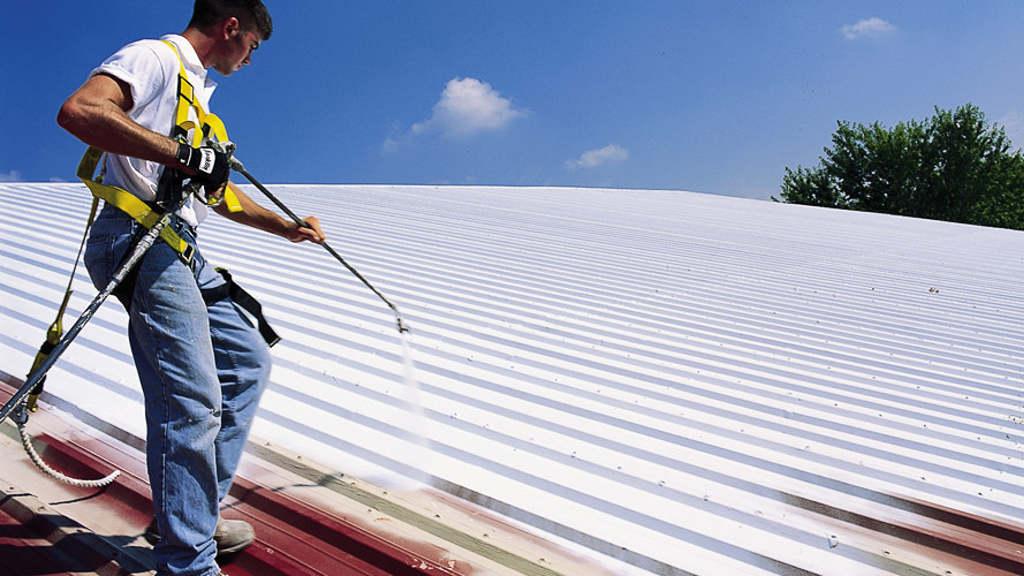 Грунтование металлической крыши